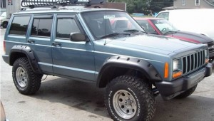 Bushwacker_ Cut-Out_Jeep_Cherokee_XJ_4