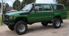 Toyota   Hilux 83-88